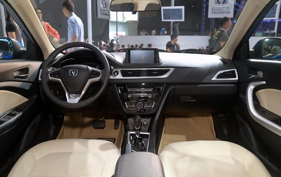 سيارة شنجان V7 2018