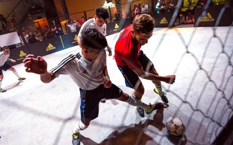 botines adidas Exhibit Pack 2019: partido de Tango League