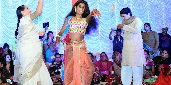 मध्यरात्री तक राजवाडा चौक में रही सांस्कृतिक कार्यक्रमों की रंगत