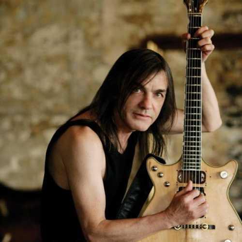 Απεβίωσε ο Malcolm Young (AC/DC)