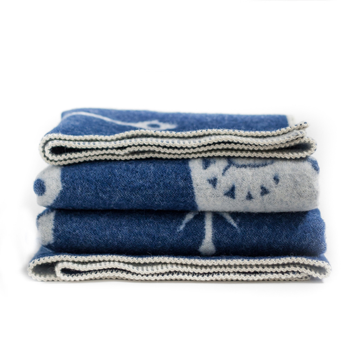 Wool blanket blueberry at Rafa-kids