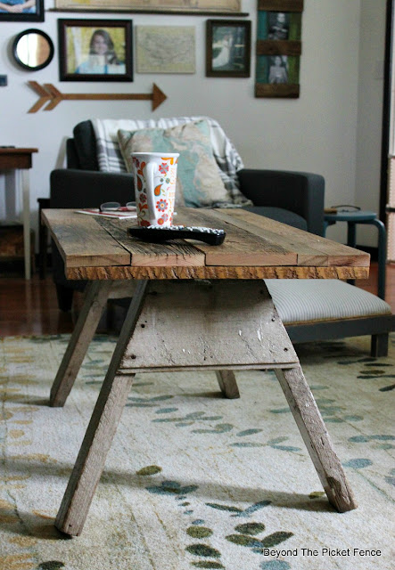 sawhorse, table, reclaimed wood, salvaged wood, barnwood, upcycled, repurposed,http://goo.gl/2Ur94T