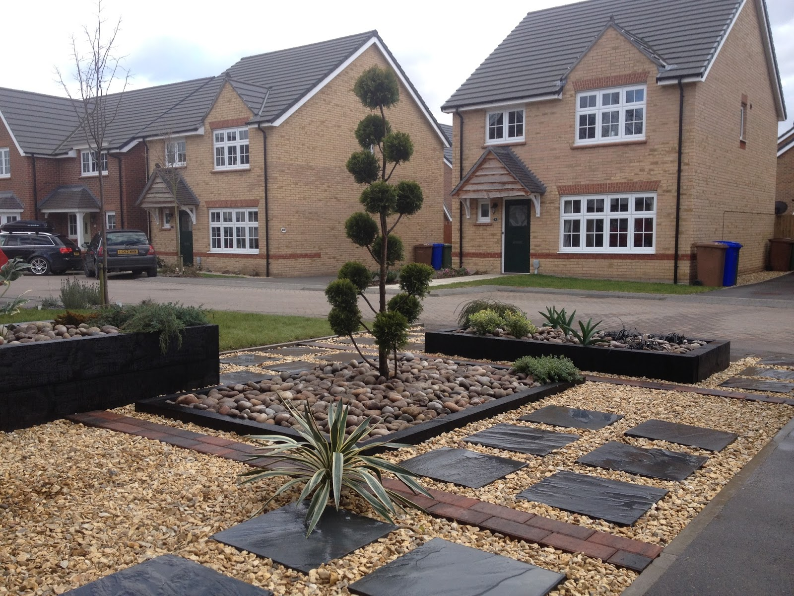 Garden Designer In The Hull Area Beverley East Yorkshire North Lincolnshire And Uk Wide Contemporary Front Garden Holtby Gardens Dunswell Lane Cottingham East Yorkshire Hu16 4jx