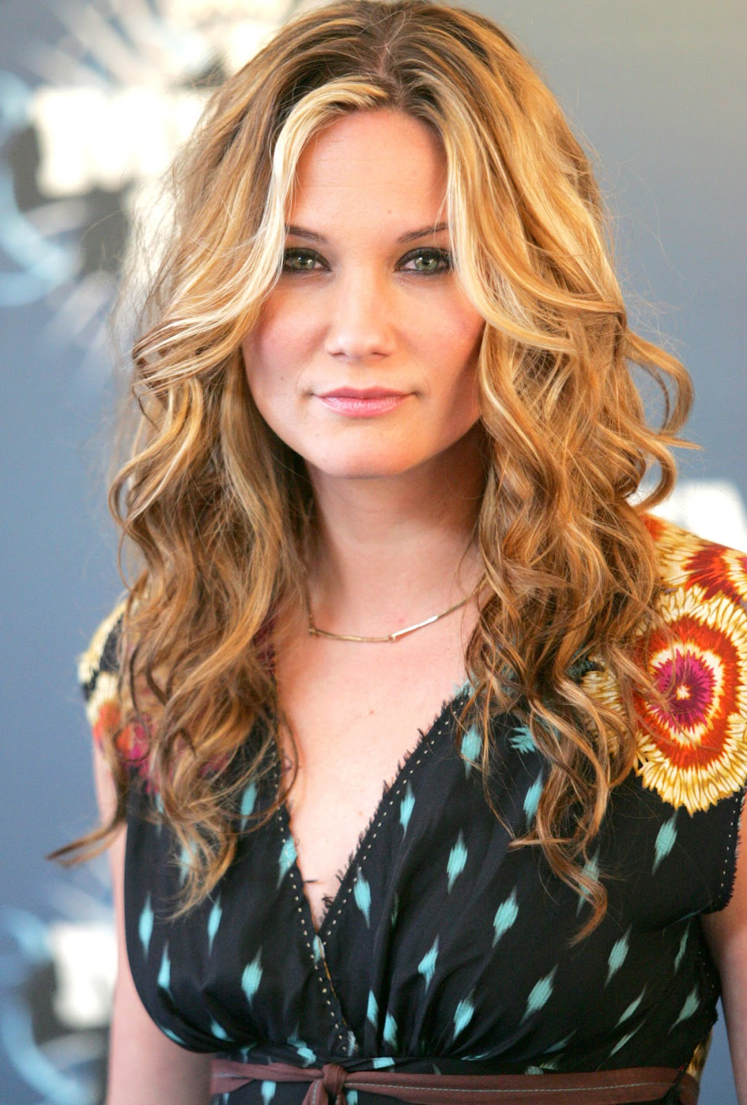 jennifer nettles hairstyle trends: jennifer nettles