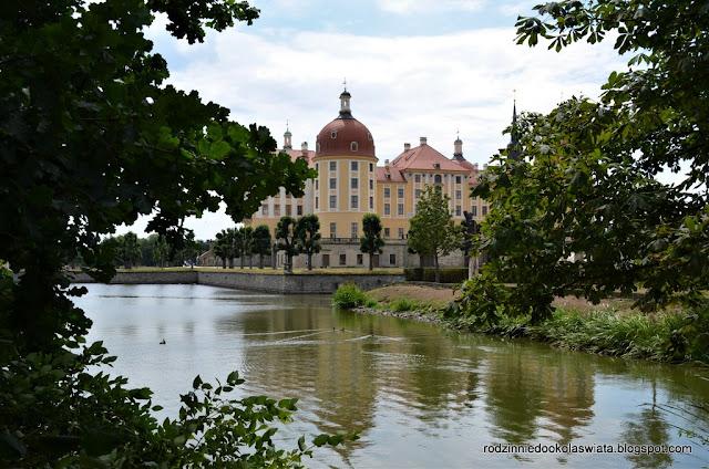 Saksonia z dziećmi- Pałac w Moritzburgu