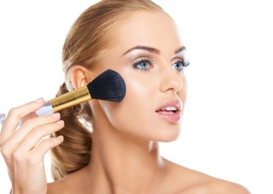 نتيجة بحث الصور عن 5 Makeup errors cause pimples in your face