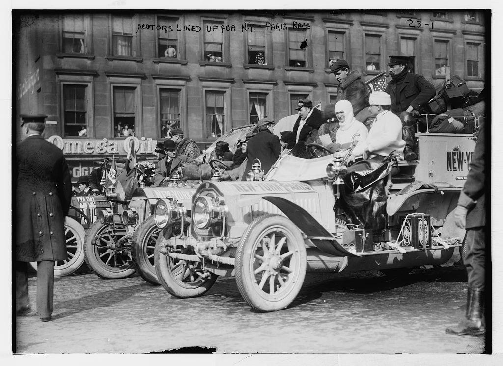 Resultado de imagen para Fotos de la primera carrera de automóviles de la historia: París-Burdeos-París.
