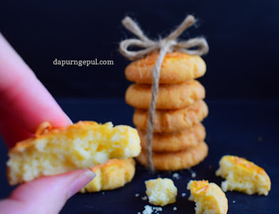 Cheesy Cookies or Cheese Cookies by dapurngepul.com