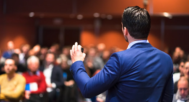 8 Important Tips To Learn The Art Of Public Speaking