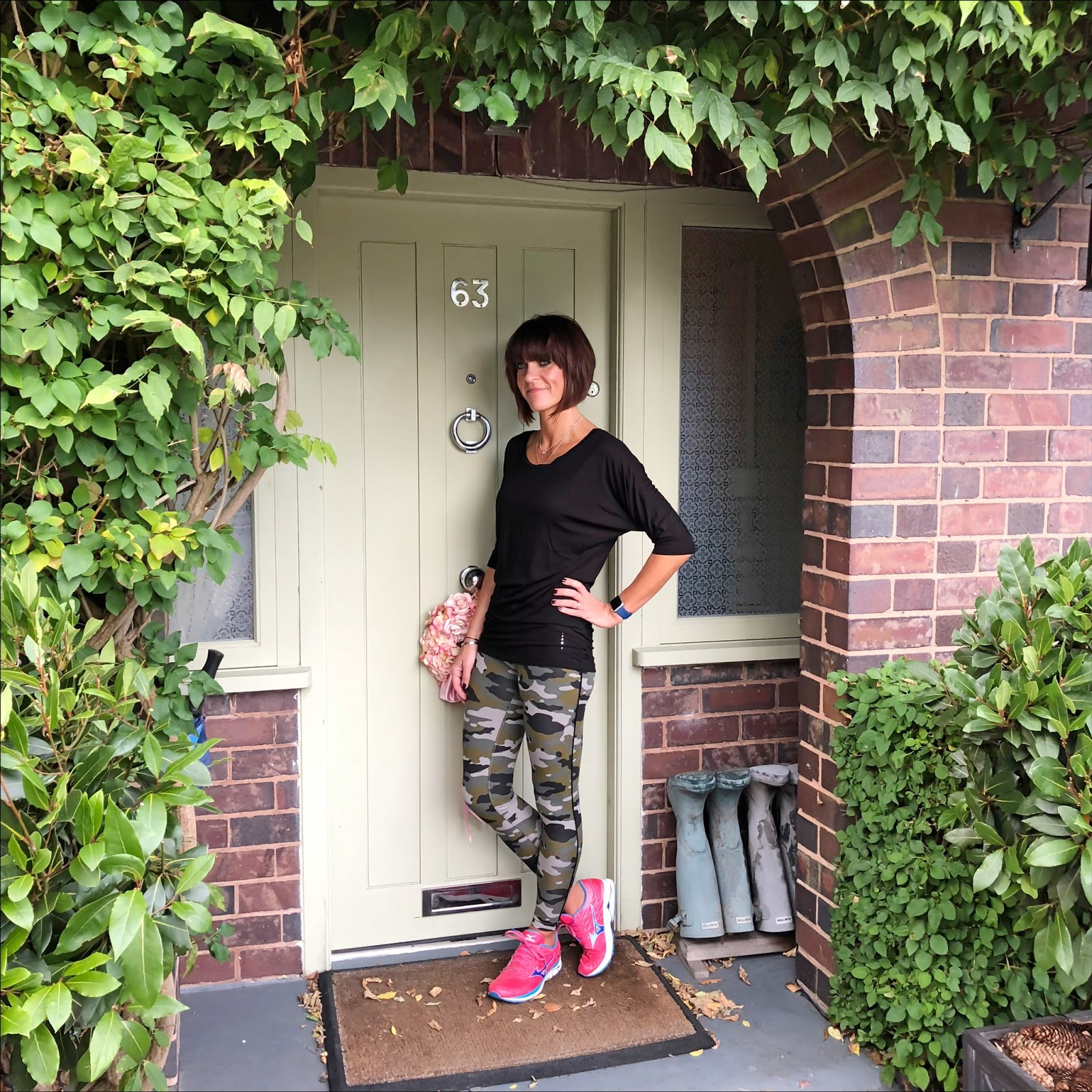 my midlife fashion, asquith london, activewear, asquith london be grace batwing top, asquith london camouflage flow with it leggings