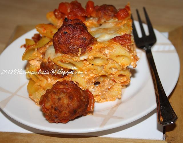 Pasta al forno con polpettine e ricotta