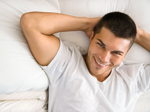 1bb9f45d6 ... التي تصدر من الزوج تدل علي إستمتاعه بالعلاقة الحميمية معك وقد تتفاجئ أن  هناك 10 – 25 % من الرجال يقوموا بتزيف مشاعر النشوة الجنسية في العلاقة  الحميمية .