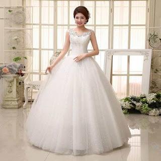 Vestido de noiva simples estilo princesa