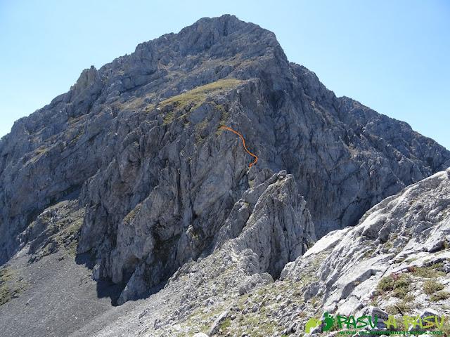 Ruta Peña Ubiña por la Arista Norte: Desde el Prau Capón, entrada en la arista norte de Peña Ubiña