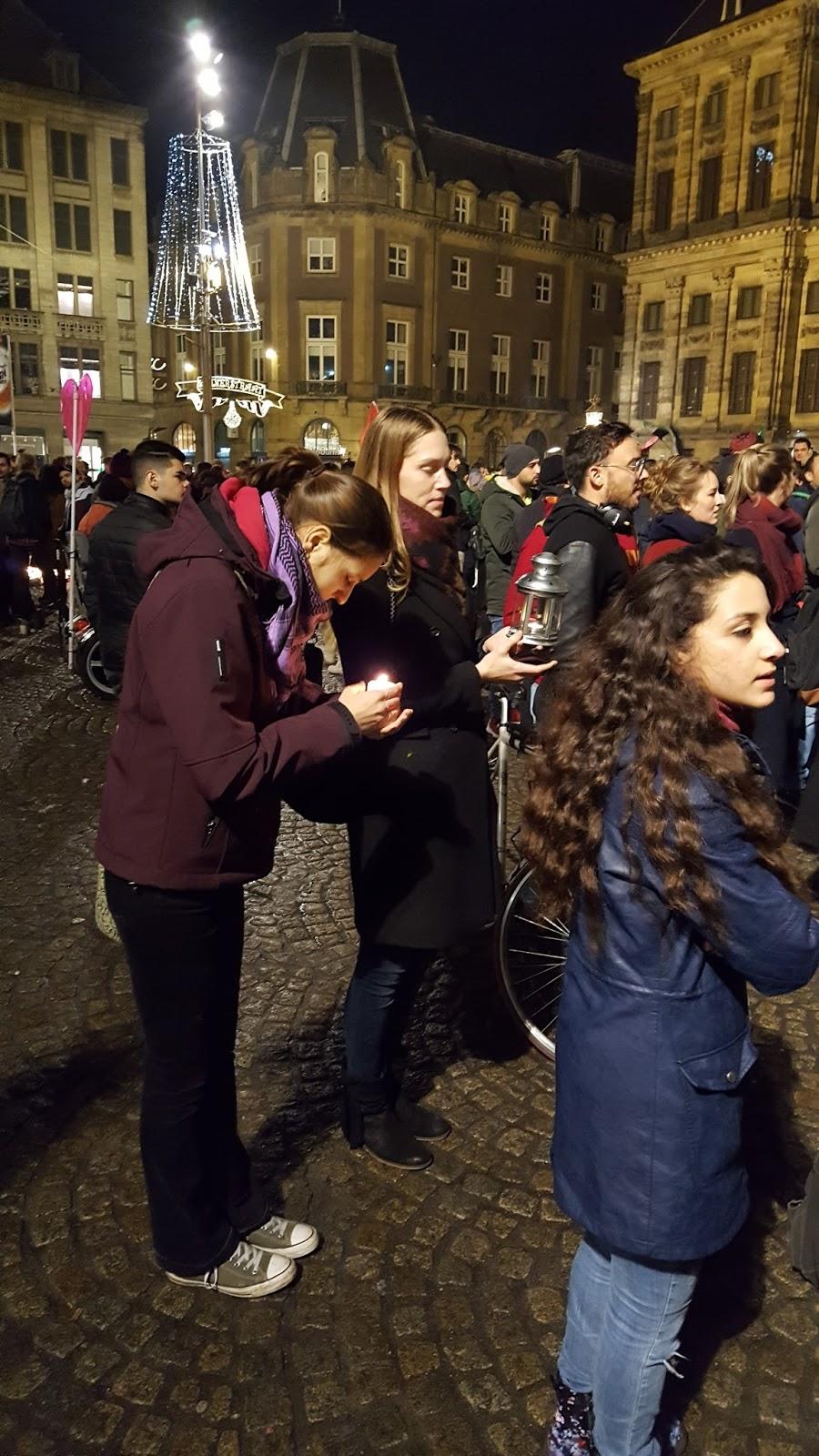 Blik op nosjournaal sfeerimpressie aleppo demonstratie for Demonstratie amsterdam