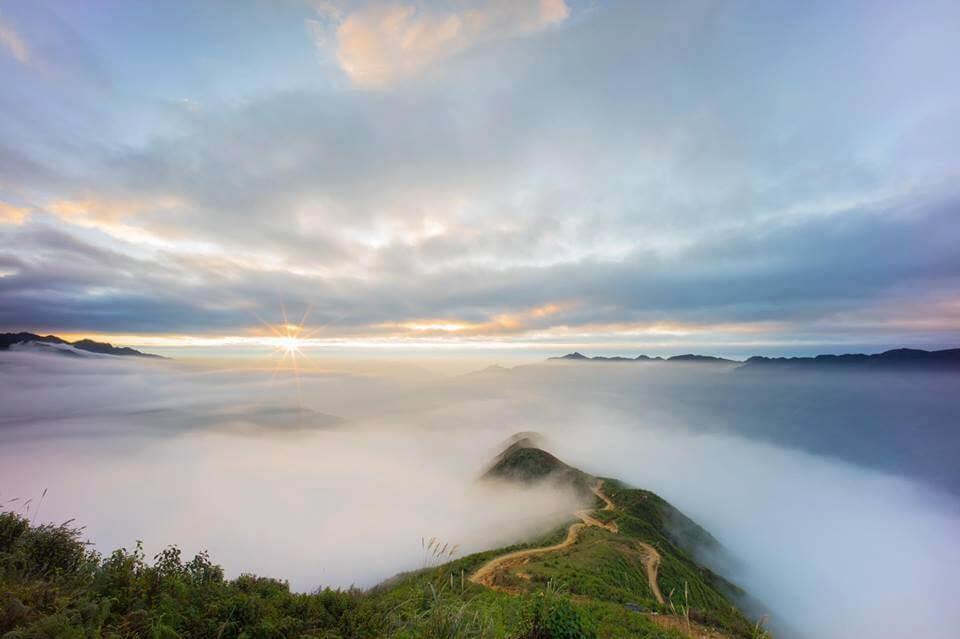 Săn mây Tà Xùa ngỡ như lạc vào chốn 'thiên đường' - Ảnh 3