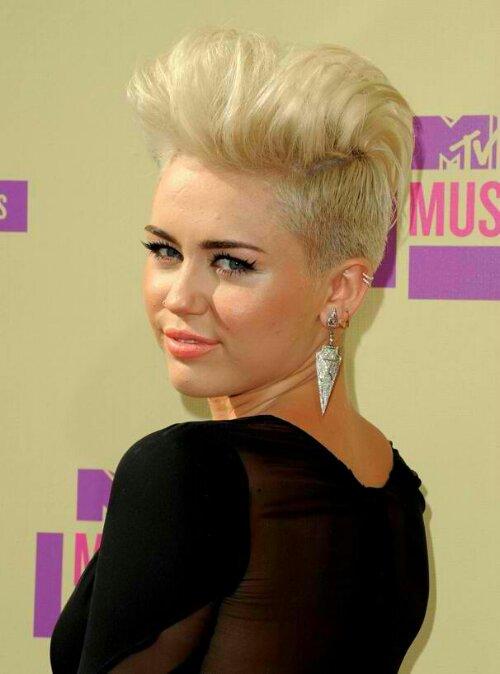 Wondrous Miley Cyrus Hairstyles At Mtv Vma39S 2012 Trends Hairstyles Short Hairstyles For Black Women Fulllsitofus