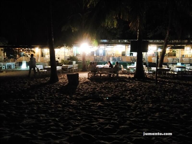gambar pantai kemala di malam hari