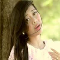 Lirik Lagu Minang Putri - Dalam  Sarek Batinggakan