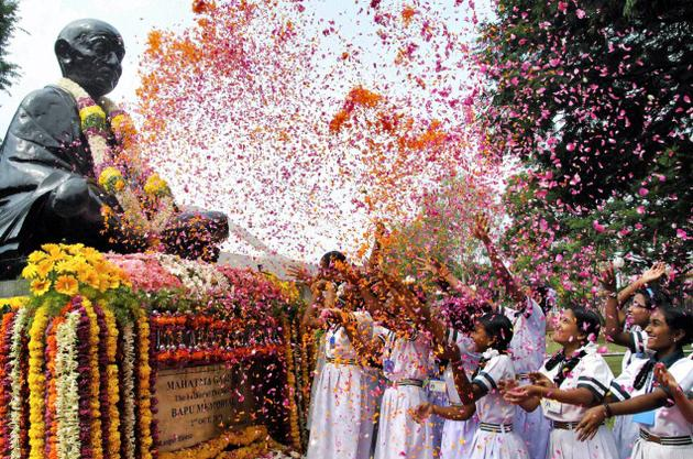 essay about national festivals of india We have provided various types of english essays (such as education, india, science & technology, animals, festivals, national traditional festivals.