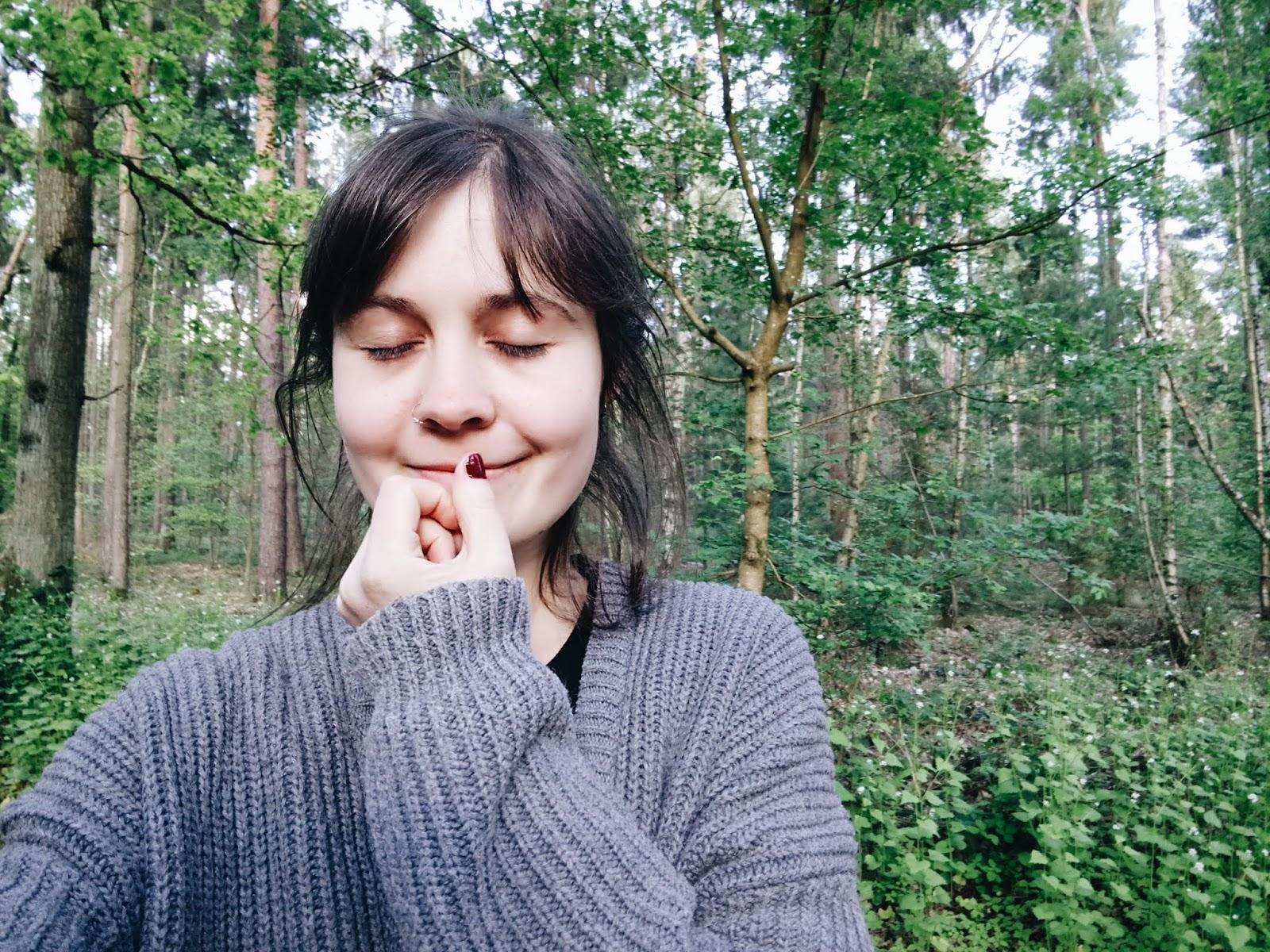 Tipps für Introvertierte, um im Alltag Energie zurückgewinnen zu können, zum Beispiel durch Zeit in der Natur!