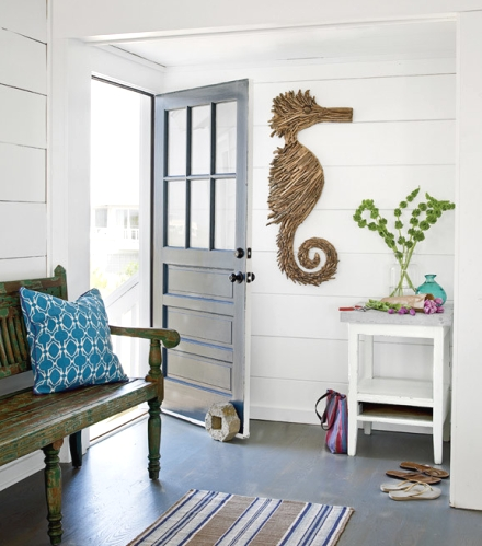 coastal cottage entryway decor idea