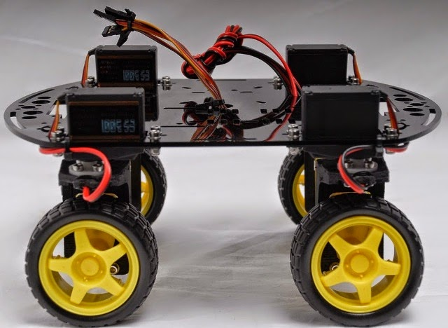 Andromina robot v on road
