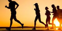mencoba beberapa olahraga berikut ini, Anda bisa menaikkan mood Anda dan membuat Anda merasa lebih bahagia. Seperti dilansir melalui iDiva, inilah olahraga yang bisa membuat kita bahagia: