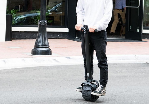 Tinuku.com Kiwano K01 single-wheeled electric scooter drives all-terrain urban