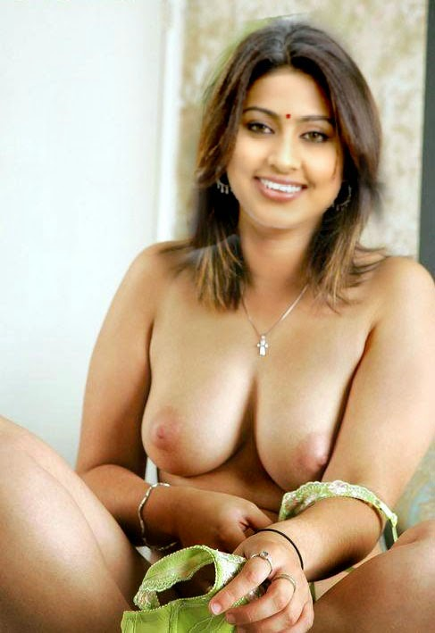 Download naked sneha