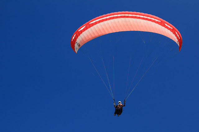 Paragliding is very much popular adventure activity to traveler.