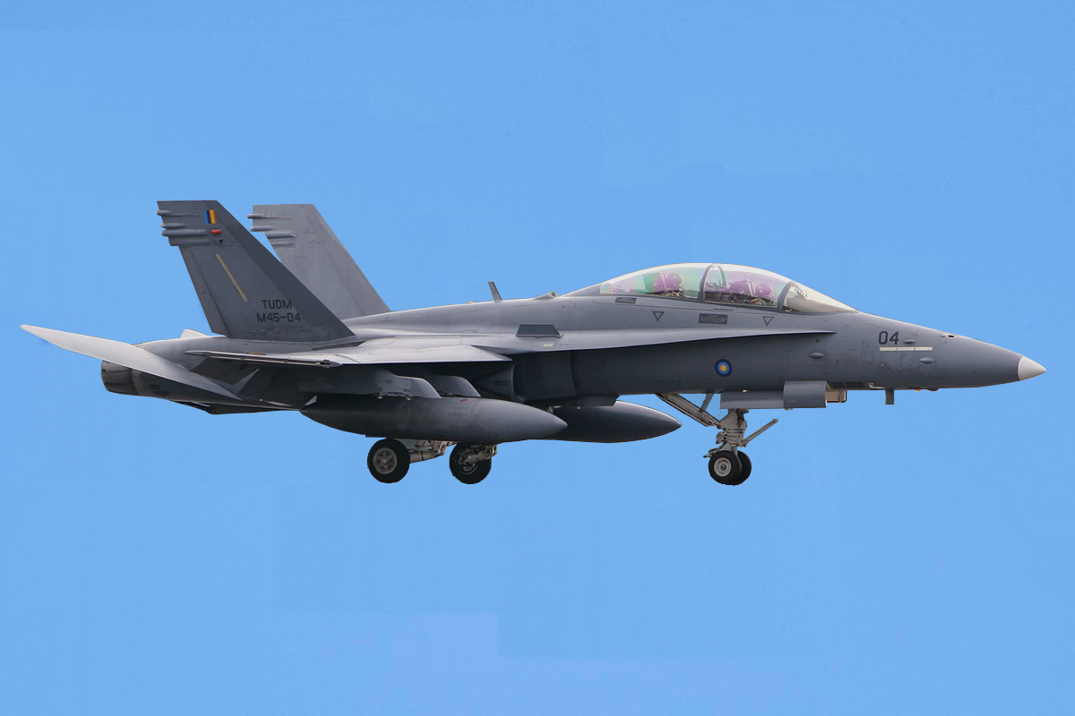 full frame why the rmaf operates the f a 18d hornet fighter. Black Bedroom Furniture Sets. Home Design Ideas