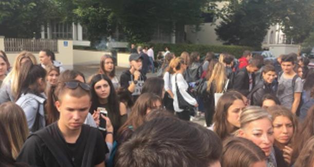 Αδιαφορία από το Ελληνικό Κράτος για τα Ελληνόπουλα στα σχολεία του Μονάχου – Χωρίς Καθηγητές κινδυνεύουν να χάσουν την χρονιά – Η επιστολή που έστειλαν   την στιγμή που ετοιμάζουν Καταλήψεις (ΦΩΤΟ)
