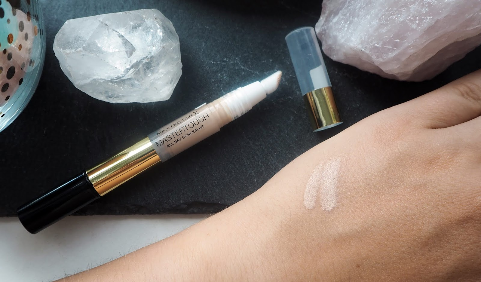 MAX FACTOR - MASTERTOUCH ALL DAY CONCEALER recenze