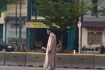 Hukum Shalat di Tengah Jalan Raya Menurut Imam Nawawi