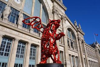 Paris : Angel Bear, une oeuvre au propos écologique de Richard Texier - Gare du Nord - Xème