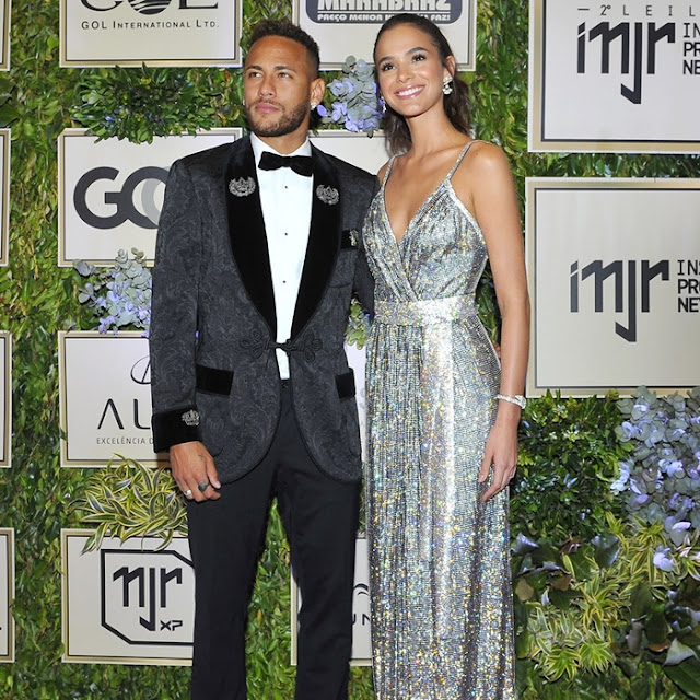 Look Bruna Marquezine e Neymar