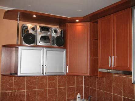 Кухня цвета вишни фото