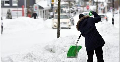 Un homme découvre 28.000 euros dans la neige