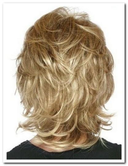 Model Rambut Layer Panjang Tampak Belakang