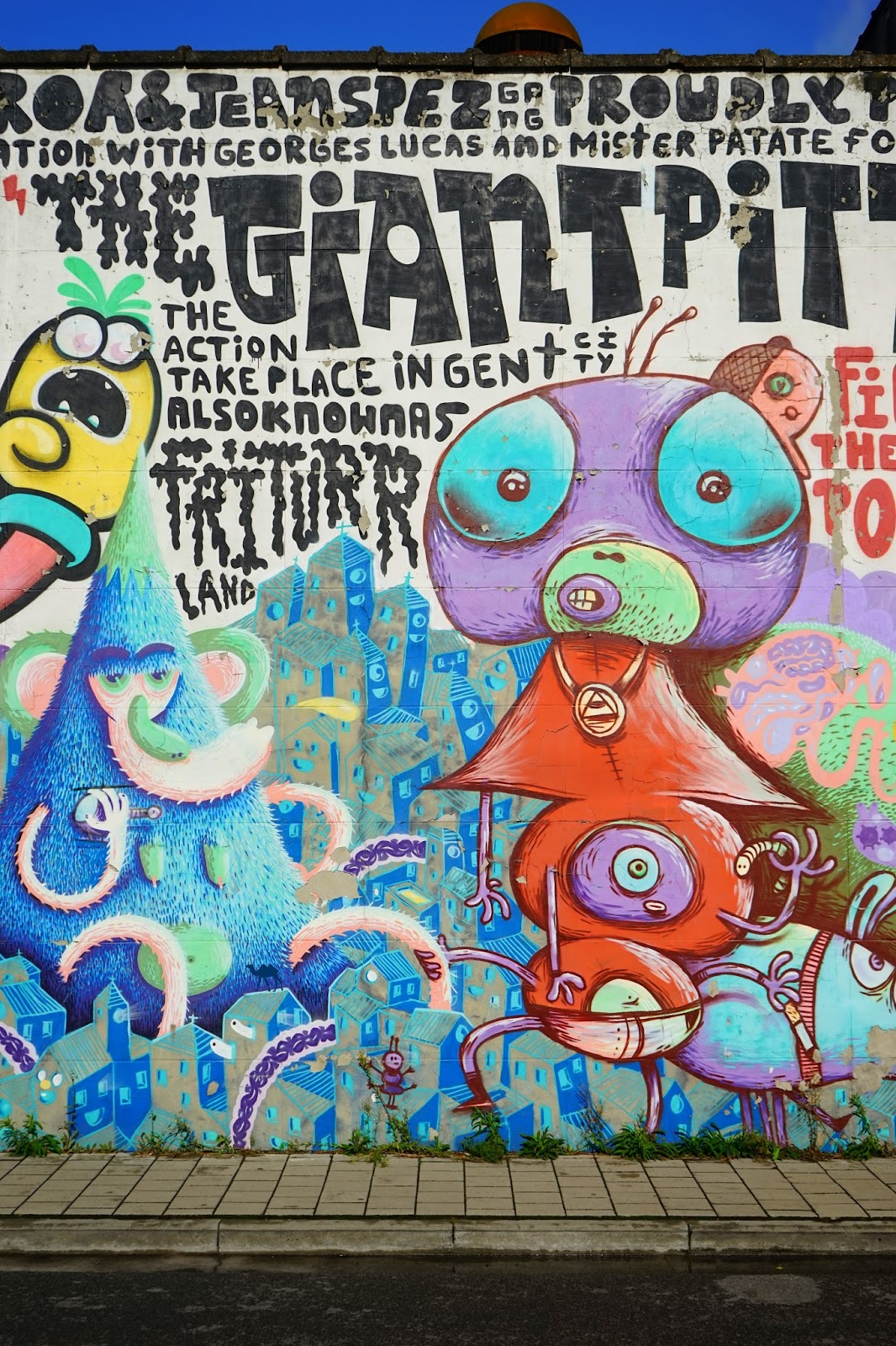 Le Chameau Bleu - Street art street