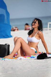 Lisa Opie  in sizzling bikini lovely  sizzling CELEBRITY.CO Exclusive Celebrity Pics 027