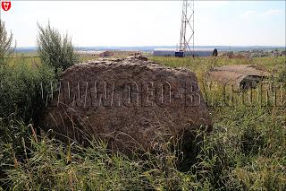 Камни у ДОТ-а №138