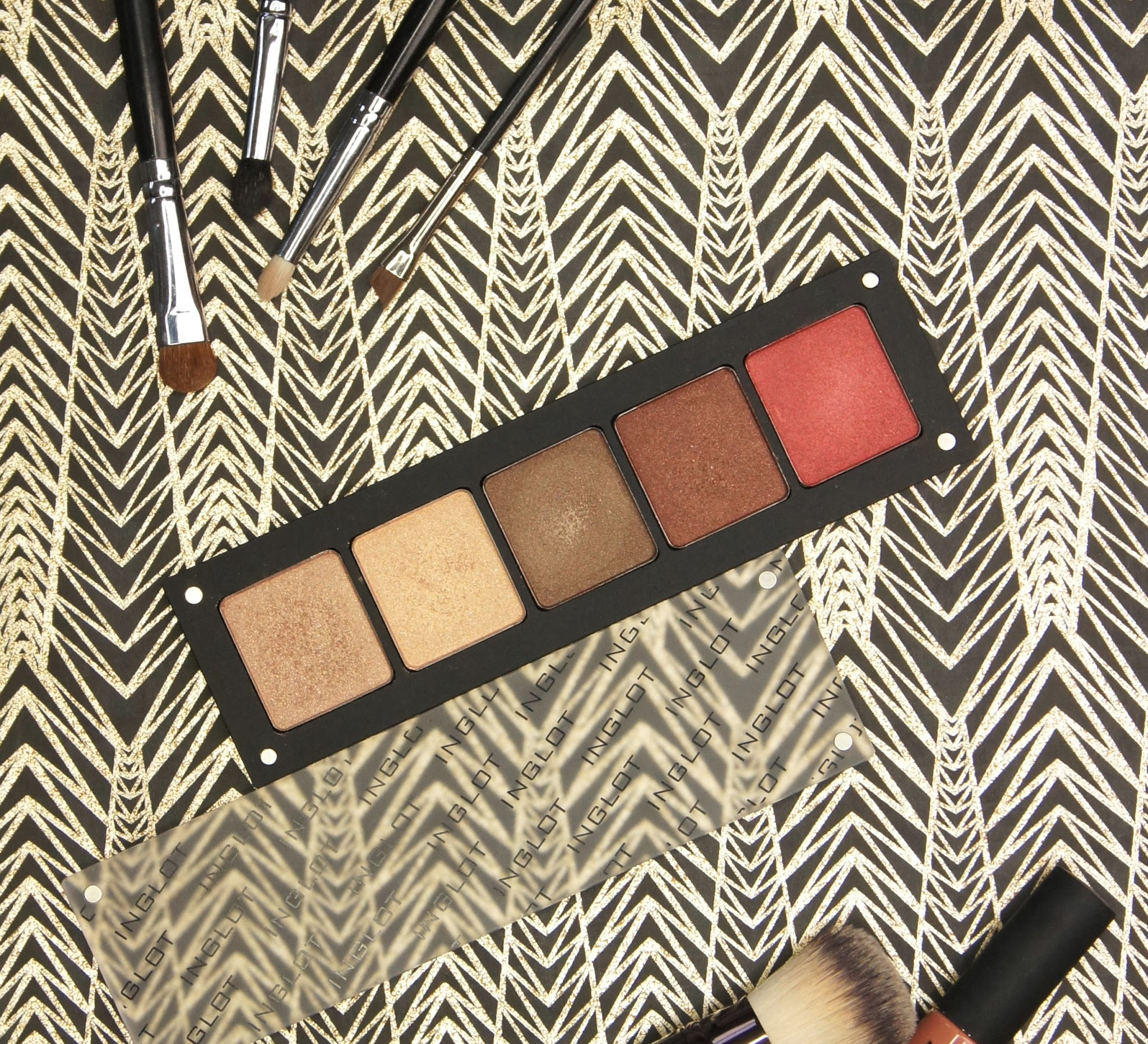 inglot freedom system custom eyeshadow palette review shades 07 11 421 422 607 mac comparison