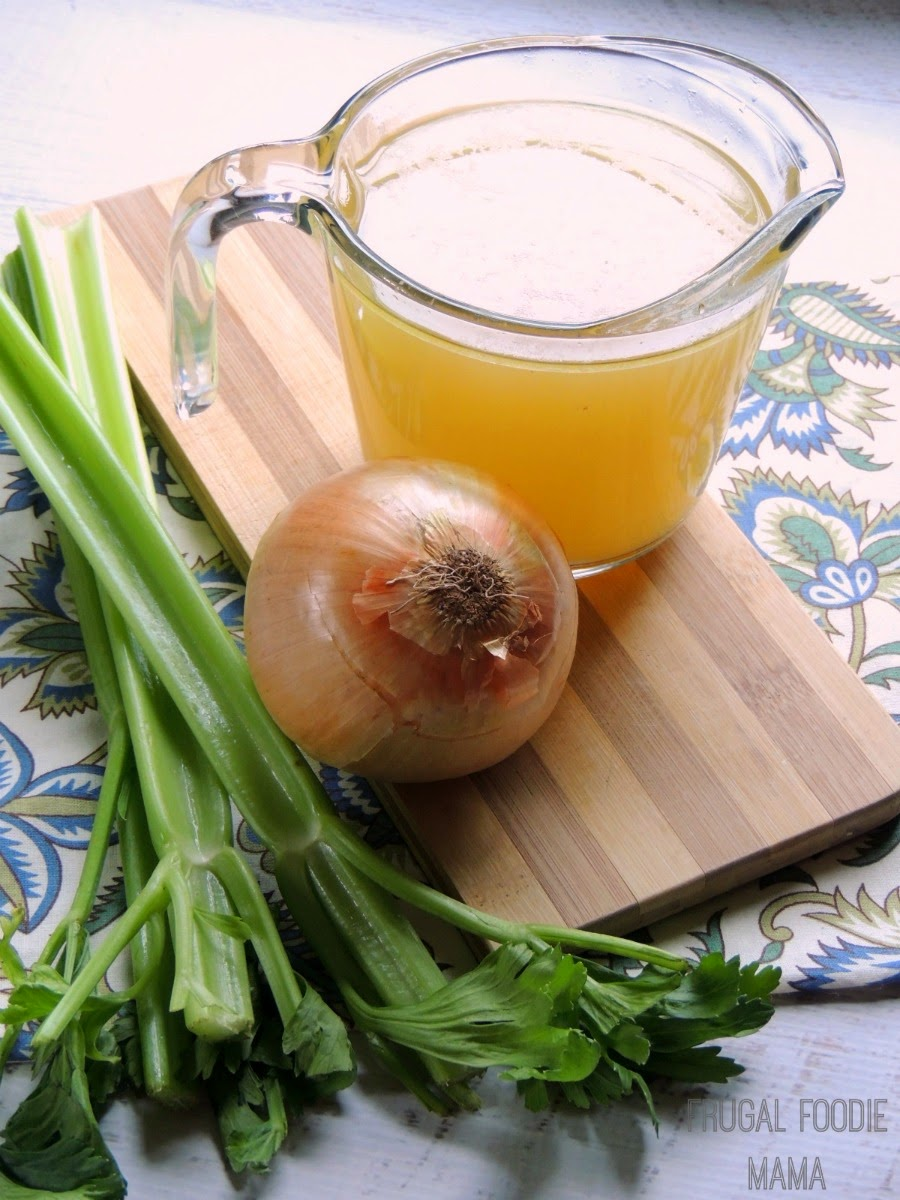 Easy Homemade Chicken Broth via thefrugalfoodiemama.com - make this rich, flavorful broth at home with ingredients you usually toss out