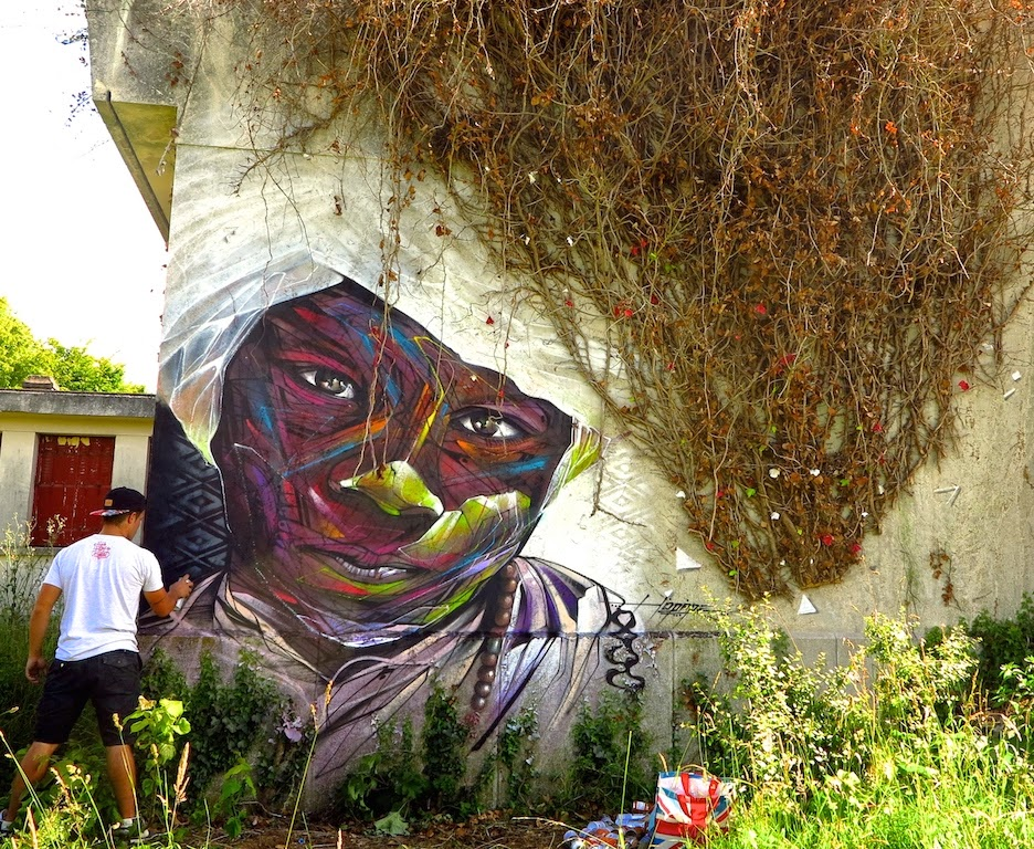 Hopare is still busy in his hometown of Limours in France where he just finished working on this sweet new piece.