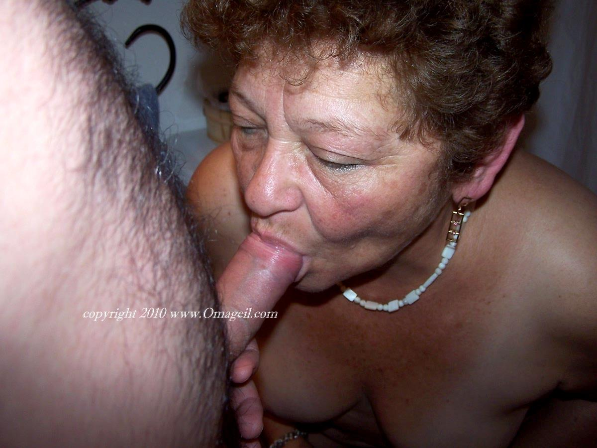 Old granny blowjobs