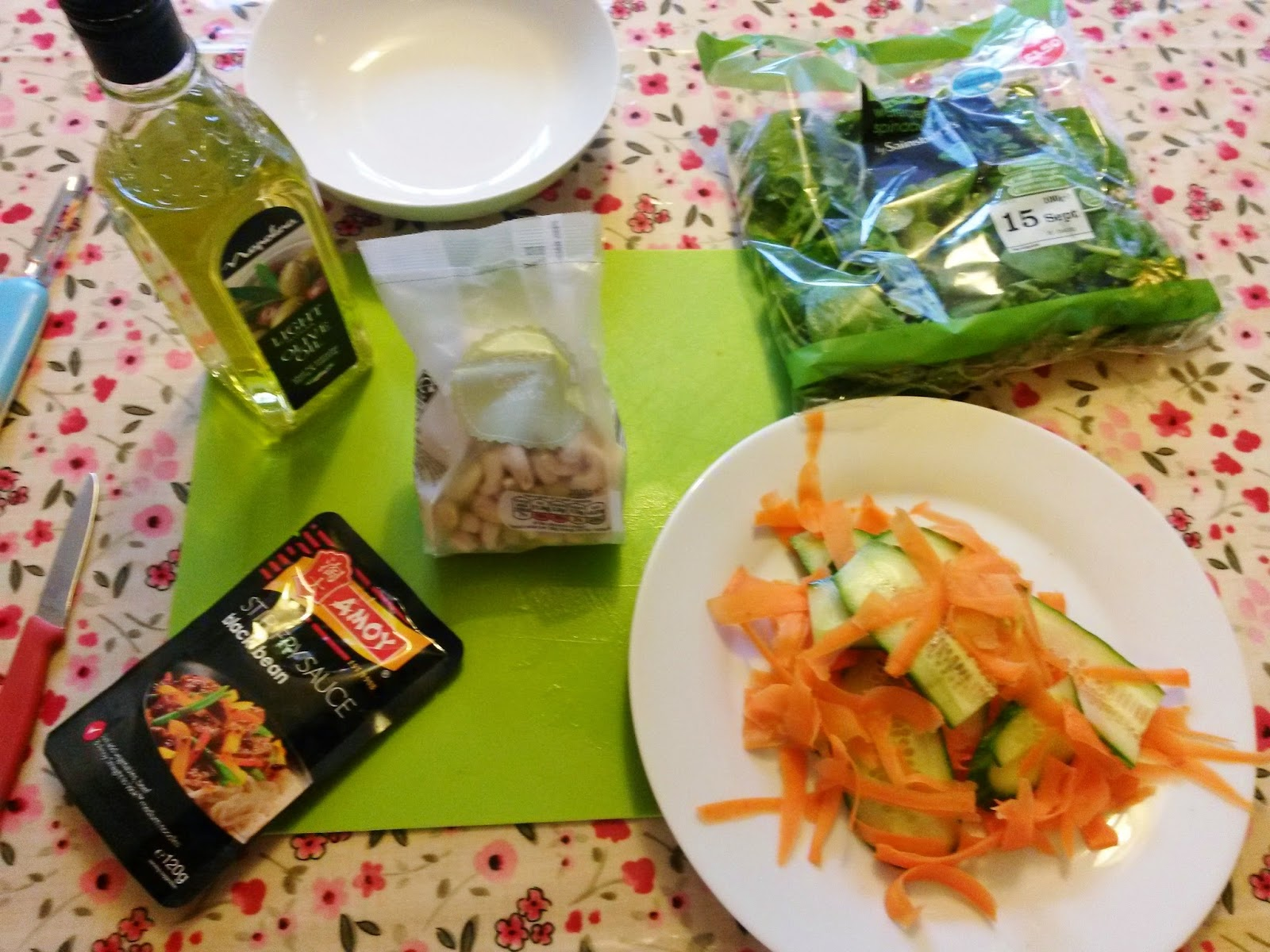 Simple Stir Fry - Carrots, Cucumber and Cashews