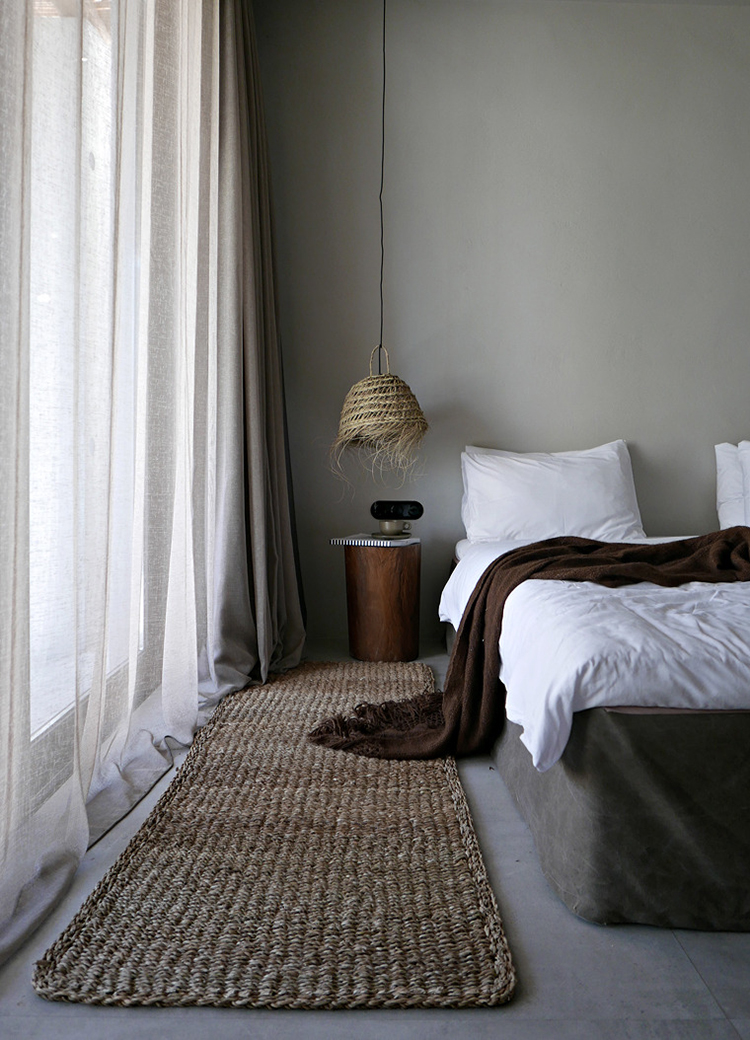 Contemporary rustic bedroom, photo by Nina Holst Stylizimo