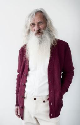 kakek tua rambut panjang paling gaul